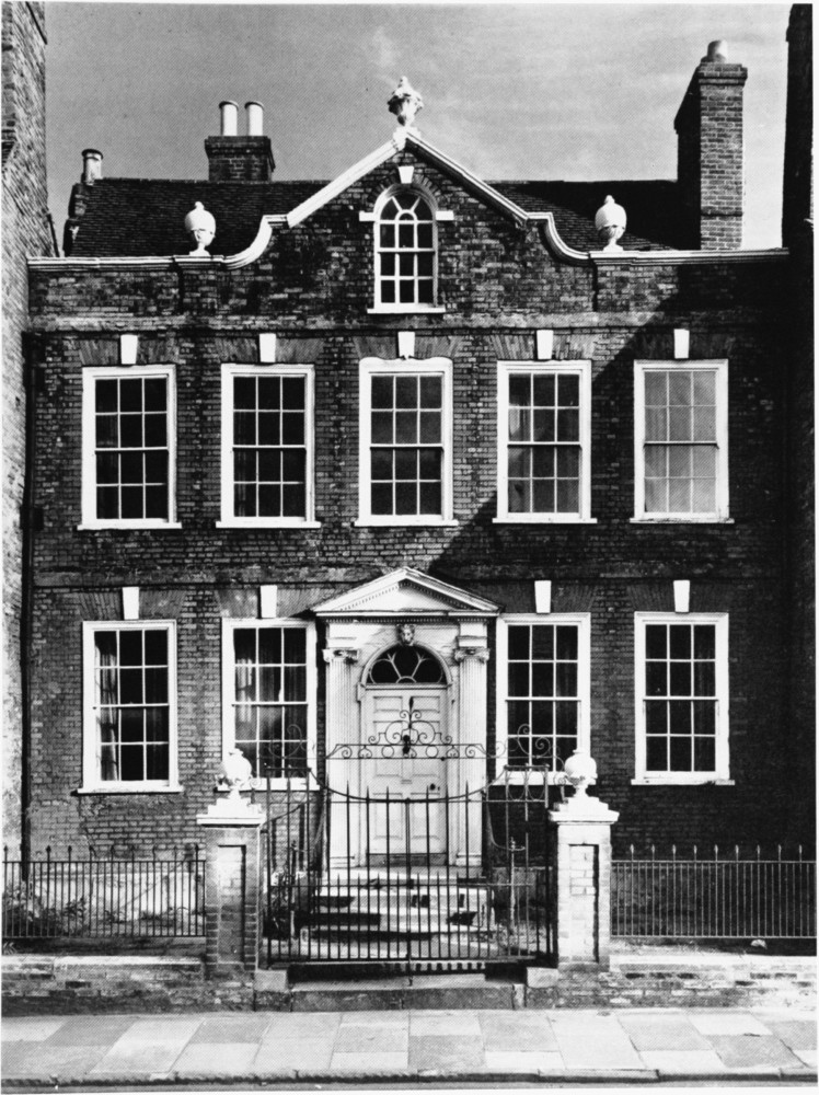 Plate 113 blandford forum eastway house n front for Blandford homes