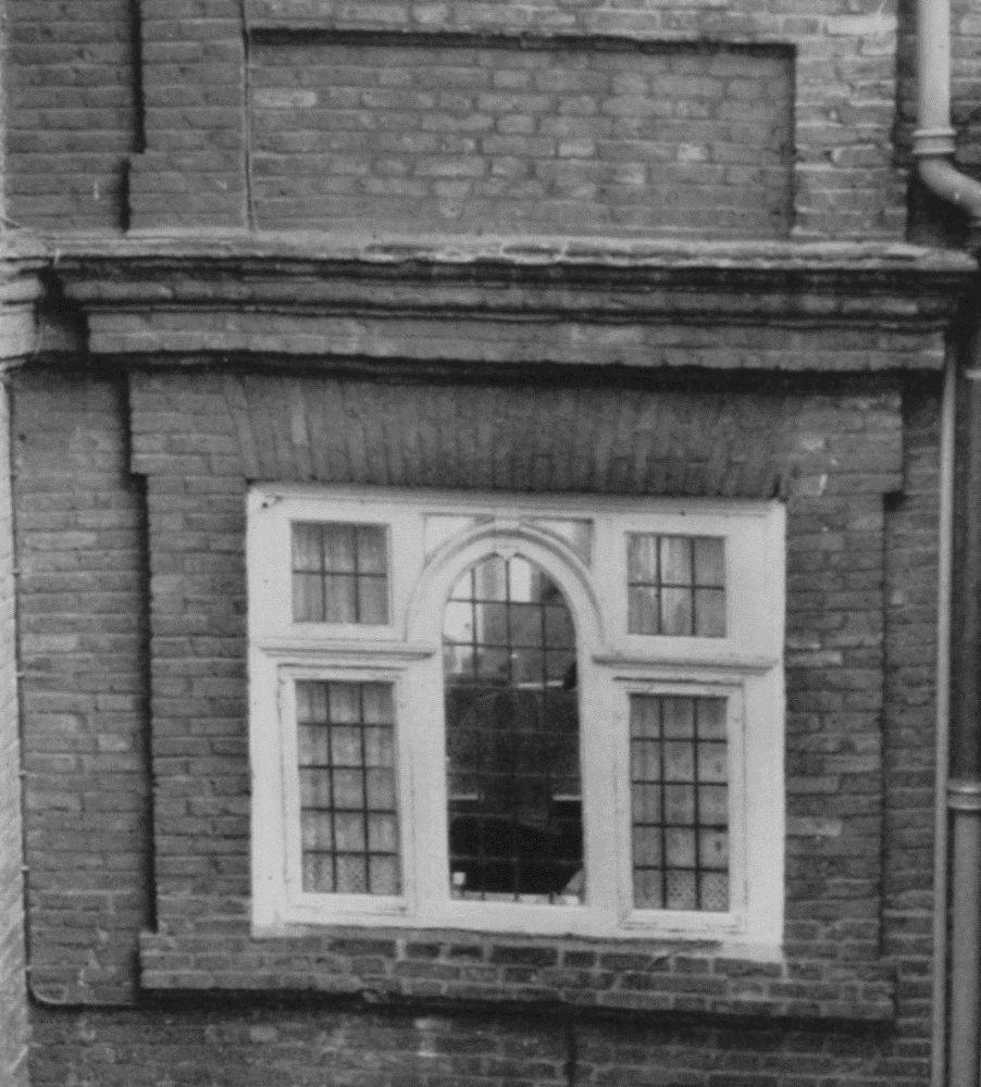 Plate 185 17th century windows british history online for 18th century window